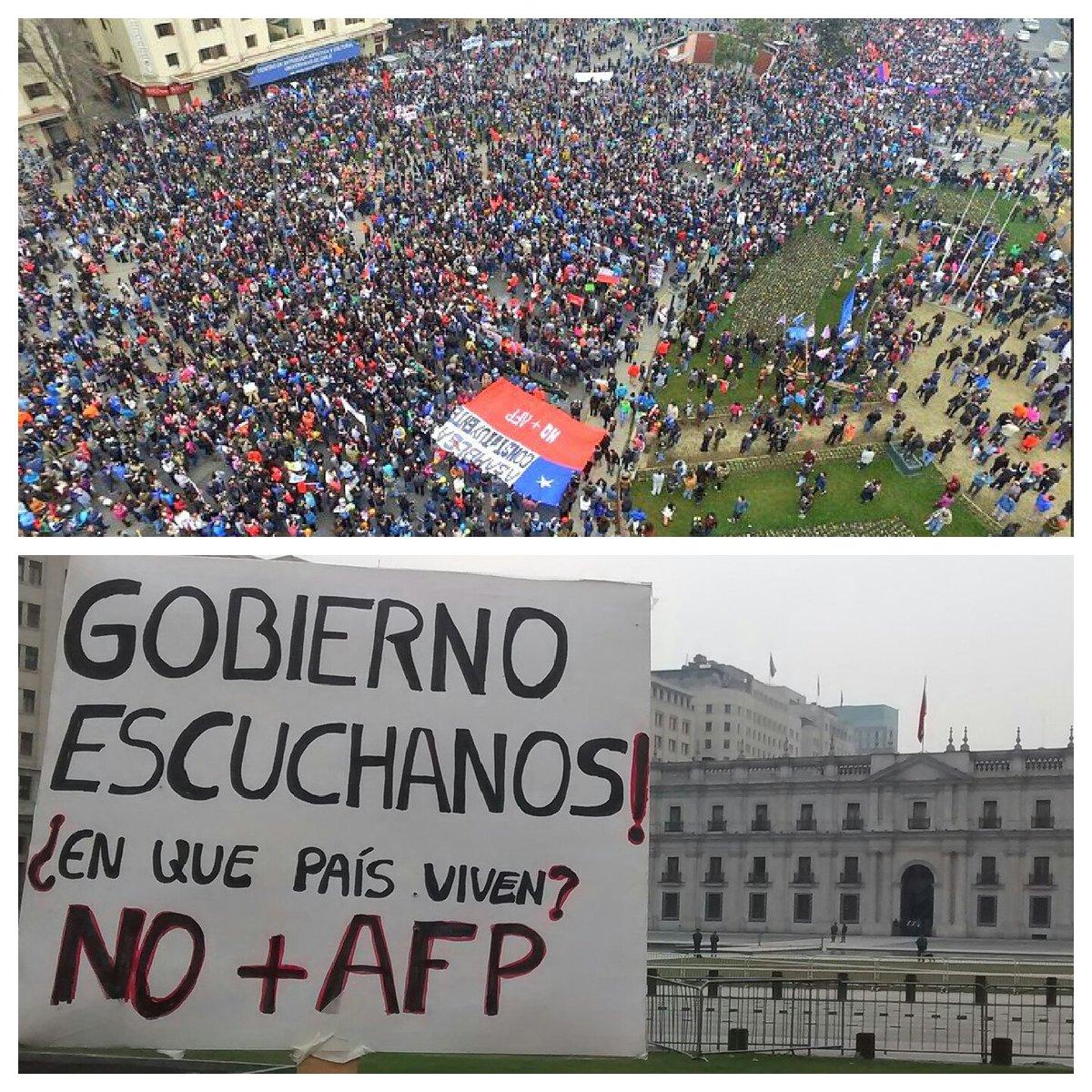 Eliges ser político pero NO escuchas a la gente. Tus urgencias son otras. #PensionesDignas #SaludDigna https://t.co/V1b3FGuh4x