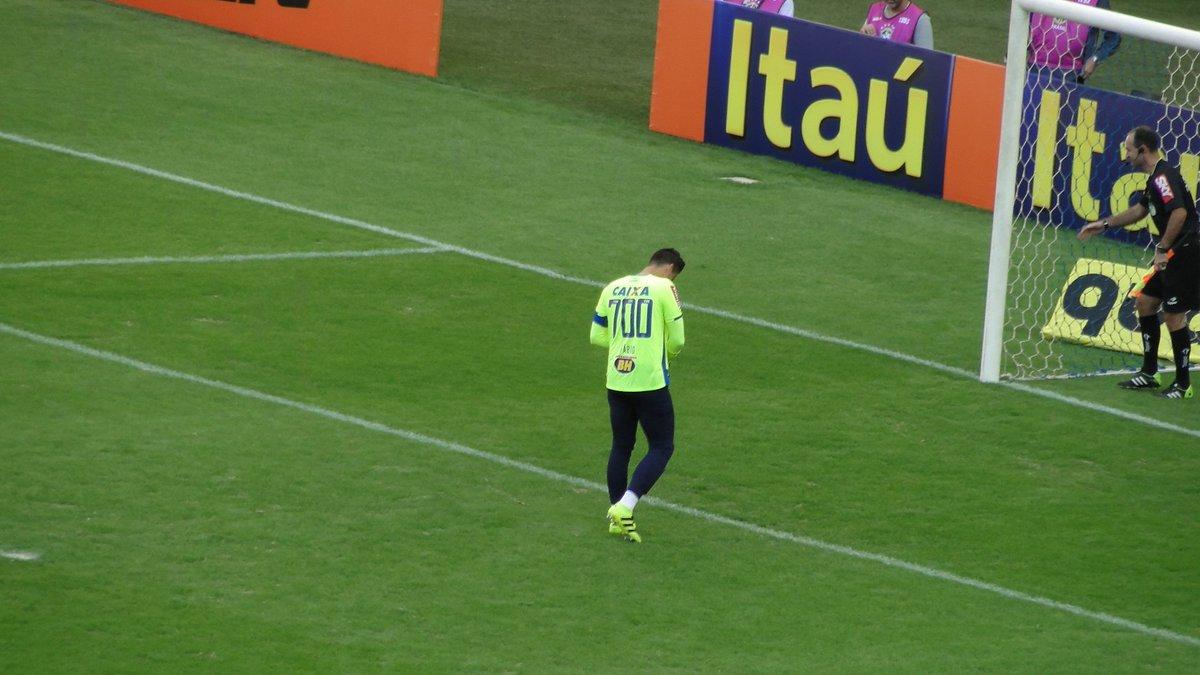 Marco Astoni  MarcoAstoniFábio está jogando com a camisa 700. Ele é o  atleta que mais vestiu a camisa do clube.  trmineirao c4465c4f896ce