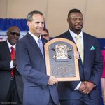 Griffey holding his plaque for the first time. Full coverage of the induction: https://t.co/GAPWUaFJbW https://t.co/oYQpwYg5PE