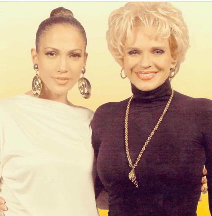 Happy Birthday my dear friend @jlo sending you the best vibes and blessings!! ..deseando feliz cumple a Jenniffer!! https://t.co/IN5uGSDTWr