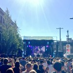 Everything beautiful about #Seattle bundled up under the blue sky today. #CHBP2016 https://t.co/0s7aYCQrcX