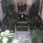 The @gardnermuseum courtyard in all of its summer glory! #BeatTheHeat #Sunday #boston https://t.co/b6IdB9DptK