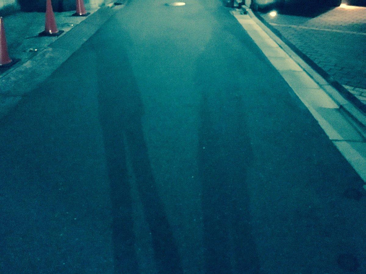 早く起きた朝。影が2つ。僕は今1人。#JUON