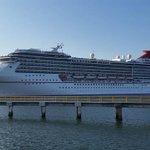 """Con más de 3 mil turistas internacionales arriba este martes a #Mazatlán el crucero """"Carnival Miracle"""" https://t.co/huk4mQc9fb"""