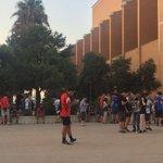 Ni el calor ha podido en la búsqueda de los #PokemonGO. 200 personas asisten a una kedada https://t.co/5py58D1UdP https://t.co/lU6oJOsfUg