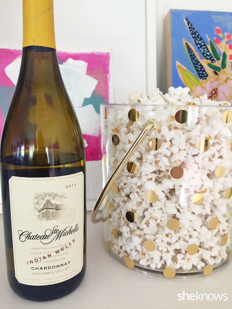 Grab your gal pals for movie night–10 movies (and wines!) for a perfect girls night in:   https://t.co/yoAdRbUl1U https://t.co/v5oeveGh63