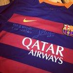 Messi se puso celoso por la camisa de Ronaldo y me mandó una de cumpleaños 🙈 https://t.co/Aa3F6ujVQt