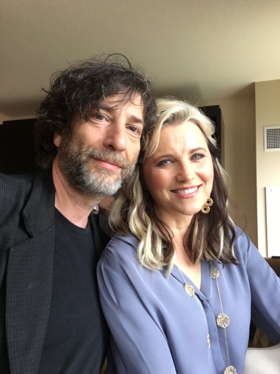 Best Ex-Boss Ever @neilhimself sent me a video message from LUCY LAWLESS today, leaving me flabergasted & grinning. https://t.co/RC8Wb15Rzl