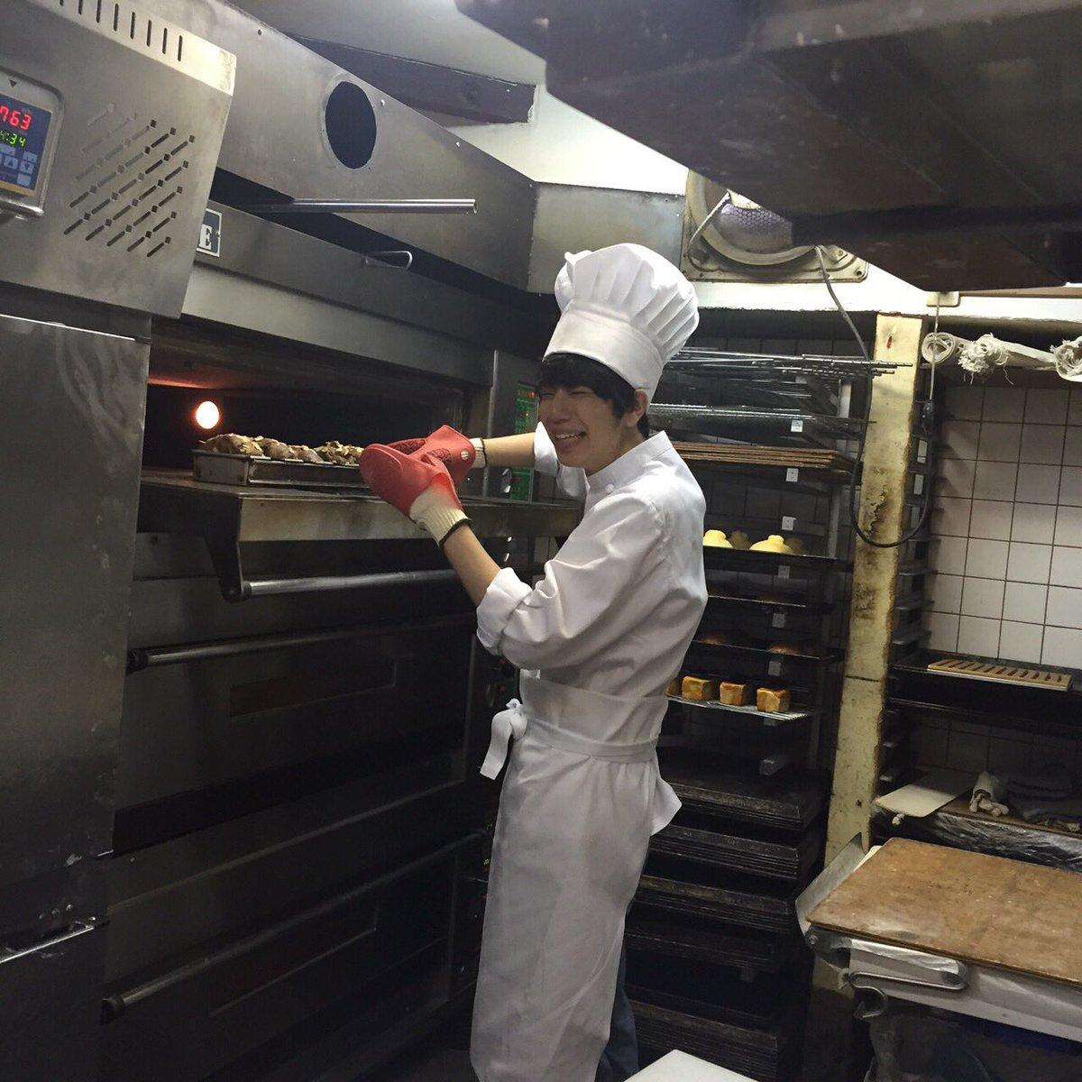 発売中の9月号では、声優の西山宏太朗くんが登場! ちっちゃいころ憧れてたパン屋さんのコスプレにるんる…
