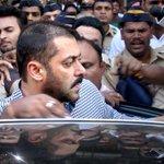 #BREAKING | Salmans lawyer: Salman Khan has been acquitted in both chinkara & blackbuck poaching case (File Image) https://t.co/0gZ4BCq4Tp