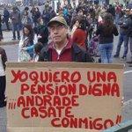 "Secta #NOMasAFPs son lo q Vargas Llosa llama ""perfectos idiotas"". Creen q este fabuloso cartel es anti Sistema AFP: https://t.co/yBACkNjXlA"