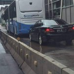 Mobil Dinas Stafsus Presiden mau saingan dgn bus TransJakarta ? Gak malu? @basuki_btp @TMCPoldaMetro @KemensetnegRI https://t.co/4qL7jPD0Vx