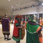 La cuerda pronta para despedir a los asistentes formando un pasillo #premiosplatino https://t.co/ICHGTLun8m
