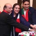 #ThankYouQAS bhutto sy ly kar bibi k laal tak wafa ki misal qaim ki ap ny salute to u ❤️ @BakhtawarBZ https://t.co/QdMIkdy5A1