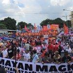 Pano photo: Sona rallyists outside Batasan @inquirerdotnet #SonaDu30 https://t.co/PI5Vb8Xpxf