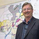 Outgoing top planner Alan Wallace likens Saskatoons growth to an awkward adolescent https://t.co/1PZSBFAWtj #yxe https://t.co/qKnDIdSTpd