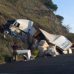 ⚠#PRECAUCIÓN accidente en carr. #SanFelipe-#Silao, km 18. Sólo daños materiales. #Bájale y maneja con cuidado. https://t.co/4IESgGB22y