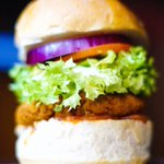 Check out our falafel burger. #vegan #cheatday #cardiff #mondaymotivation https://t.co/lscq5Uxnxc