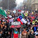 #Chile: unas 750 mil personas protestaron en todo el país contra el sistema privado de pensiones https://t.co/BaC9mLk8Rb