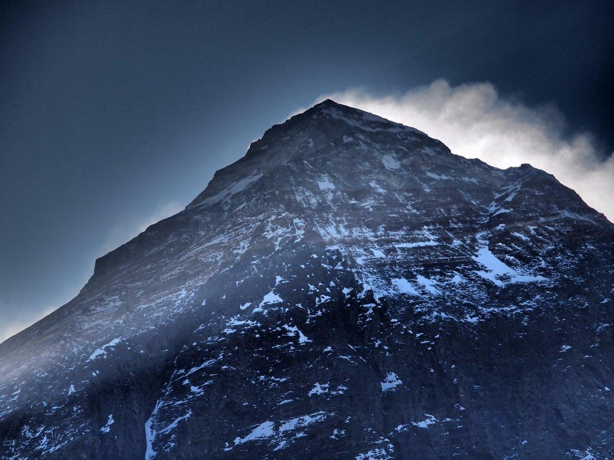 エベレストにもたくさんの表情があります。
