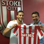 Highly-rated Egyptian teenager Sobhi signs for Stoke https://t.co/NPwttqnG01 https://t.co/76WSCrevsC