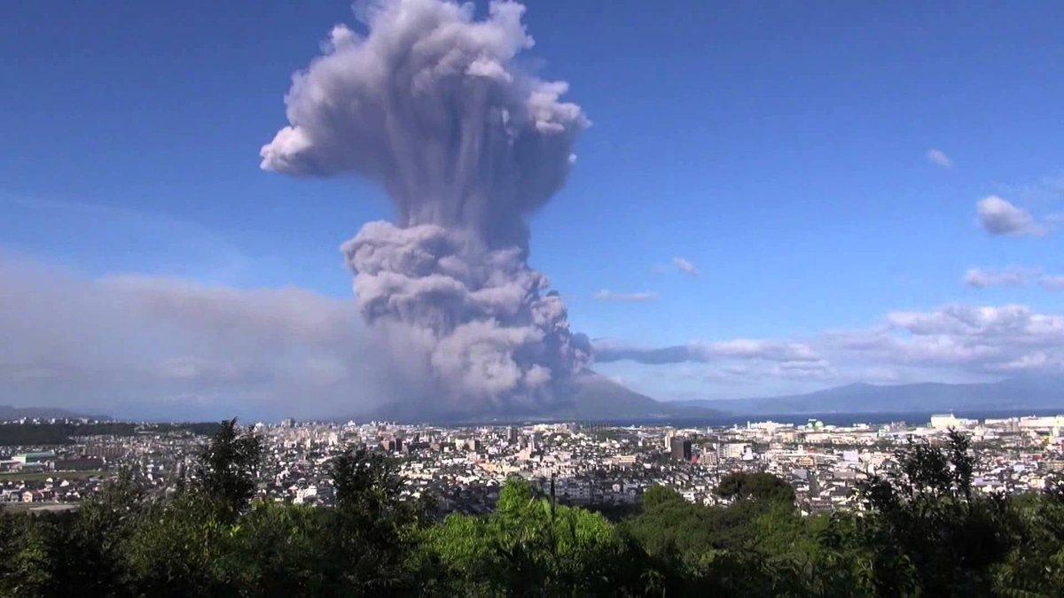 桜島5000m級噴火がどれくらいなのか県外勢は分からないかもしれないから2013年に起きた5000m…