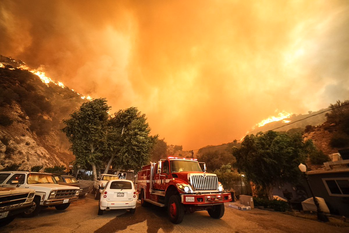 CAL FIRE/Riverside County Fire engines assisting on the Sand Fire in LA County. Photos courtesy of Tod Sudmeier. https://t.co/TKVqhAFfyx