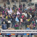 📱 #T13Móvil | Multitudinaria marcha contra las AFPs. Informe @CristianPinoV https://t.co/oCAI4Oc1xd https://t.co/rG9gyrPk2U