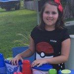 Una niña gana 100 dólares en tres días vendiendo refrescos en una pokeparada a jugadores https://t.co/vgm1xe4CzV https://t.co/xkMwvQXcga