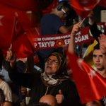 Antalya Cumhuriyet Meydanında nöbete devam... https://t.co/LFAUTCAE97
