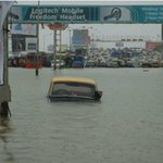 """Today in 2005:heavy rains brought Mumbai to a standstill for over 2 days after it received 39.17"""" of rain in 24 hrs! https://t.co/94Mi54Bnxw"""