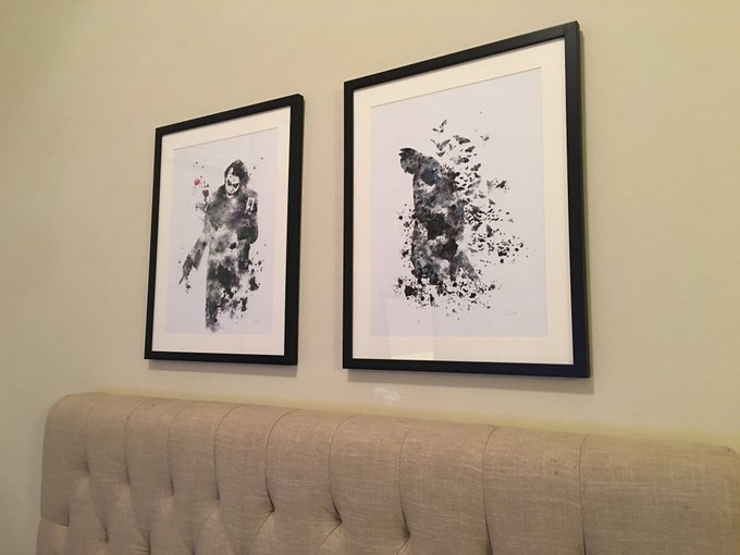 1 pic. Art finally bringing my room together https://t.co/AoMW4JsMP0