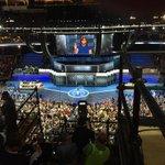Michelle Obama qui parle de Hillary Clinton, comme un exemple pour ses propres filles. Férocement efficace. #dnc https://t.co/I6DKbVeIFb