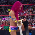 SHES DONE IT! #TheBoss @SashaBanksWWE is your NEW @WWE #WomensChampion! #RAW #WomensTitle https://t.co/hm0OseJla1