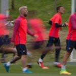 Messi Tampil Beda dengan Gaya Rambut Pirang https://t.co/ljLr1wYzea https://t.co/XQLAxnLDkL