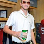 So this attire is acceptable by Chris Sale, but Saturdays Throwback Jerseys were not? #CrossTownCSN #WhiteSox https://t.co/uejuPTvBvH