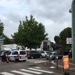 Французские СМИ сообщают о 5 заложниках в церкви около Руана https://t.co/tJhM4RmoLx https://t.co/IcZhhiQsIU