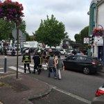 Неизвестных, захвативших заложников на севере Франции, ликвидировали https://t.co/vlf2sNFOqg Фото: @fredveille https://t.co/nKdewfUSi7