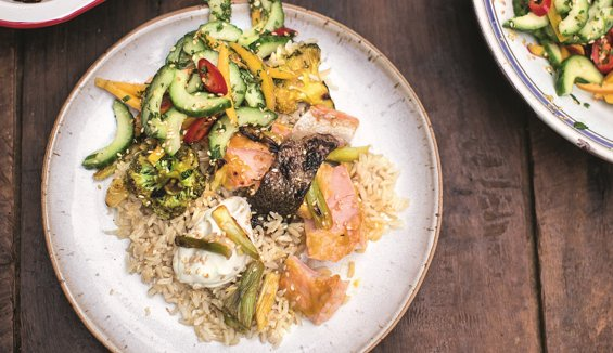 RT @TheHappyFoodie: Liven up your Tuesday with @jamieoliver's Mango Teriyaki Salmon recipe. https://t.co/sG6LW9la2v #FamilySuperFood https:…