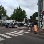 СМИ: один из захваченных в заложники в церкви в Нормандии погиб https://t.co/8OWBOgj45D Фото: @fredveille https://t.co/VlsxCNGKeQ