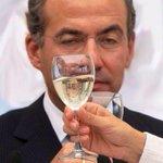 RT ylibranosdelpan: Vicente Fox vomita a Felipe Calderón y a Margarita Zavala... Y Calderón se la pasa vomitando d… https://t.co/1Yu7jSZjPI