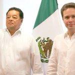 Roberto Domínguez, ex rector de la Unicach, es designado secretario de Educación en Chiapas https://t.co/FF2CSDZbJ5 https://t.co/tPwxsaBZ56