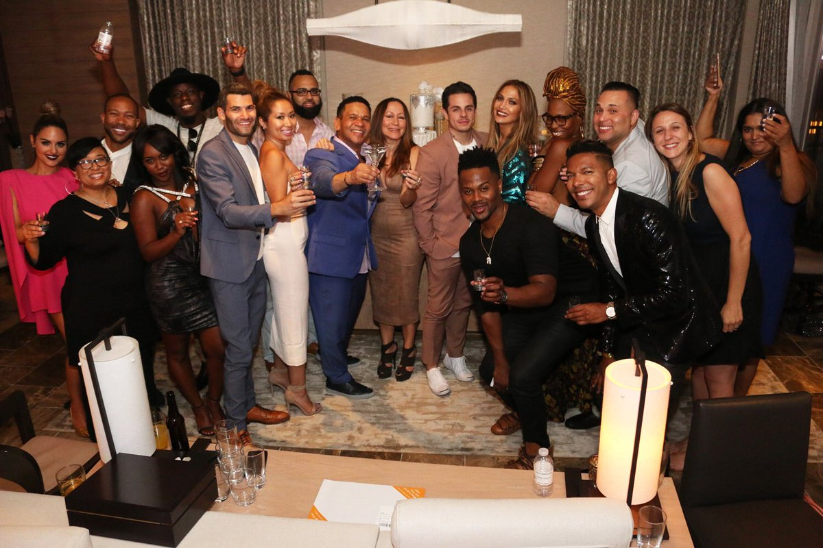 Here's to another incredible year @JLo!!   #familia - G.i.g https://t.co/yOIWFBJXkt