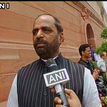 It has been confirmed that terrorist who was captured alive in Kupwara, is from Pakistan: Hansraj Ahir, (MoS, Home) https://t.co/HtRR4RYKe5