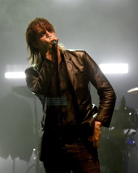 ...@Casablancas_J looking cool on stage during @TheStrokes show at The Wiltern #thestrokes https://t.co/8mutbFd3xd