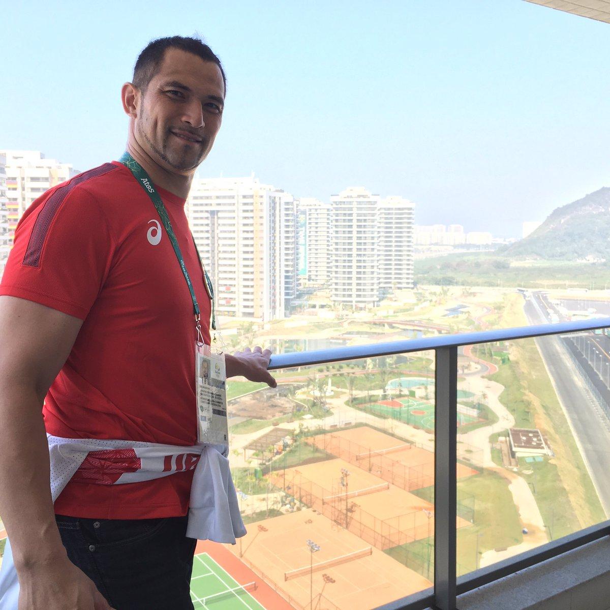 Good morning from Olympic Village! おはようございます。本日リオは…