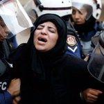الحكم على الناشطة معصومة السيد لستة أشهر بسبب ممارستها حقها في التظاهر. ويستمر مسلسل استهداف النساء في #البحرين https://t.co/Oe8zqvxDZd