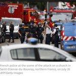 #PrimeroNoticias Un cura degollado y dos atacantes abatidos en una toma de rehenes en Normandía. Vía @AFP https://t.co/WOr2zNbiUM