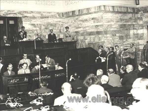 Αναθεώρηση Συντάγματος με λαϊκές συνελεύσεις; Ναι. 1967. Επιτροπή Αναθεωρήσεως του Συντάγματος (επιτροπή Μητρέλια). https://t.co/7yH2VHP7Y6