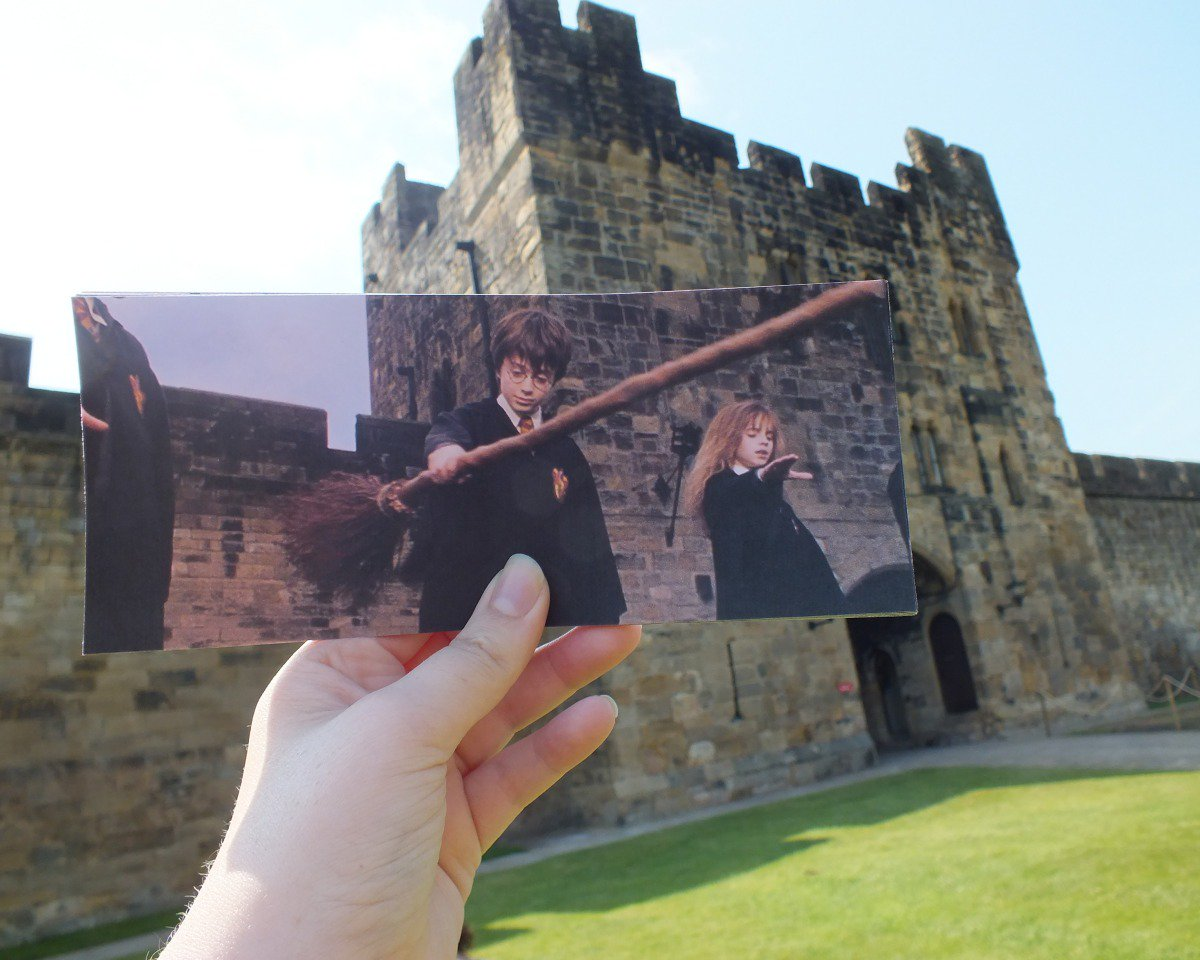 Alnwick Castle, in the courtyard where Harry Potter had his first flying lesson! https://t.co/pfdZ2OZPcH